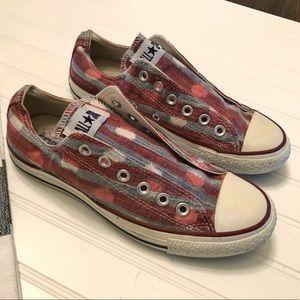 Red, white & blue converse! Super cute!